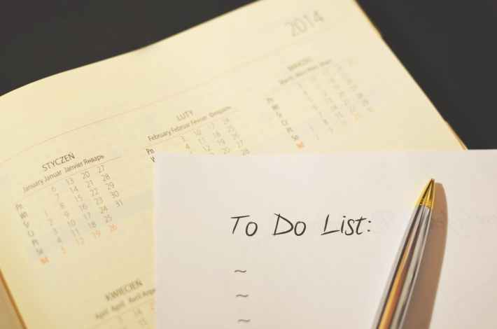 A calendar and a To Do list (blank).
